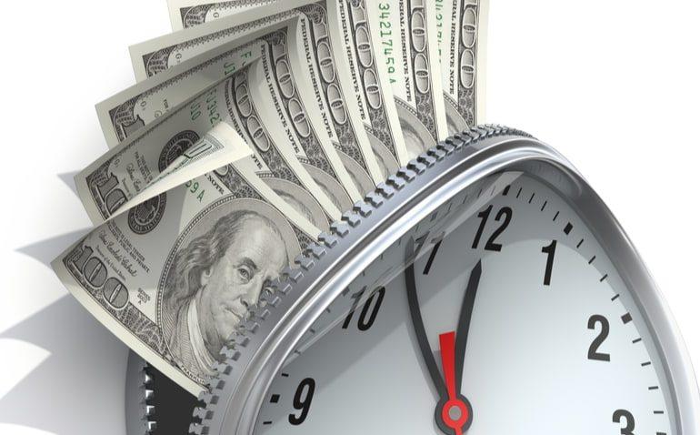 renda mensal por prazo determinado